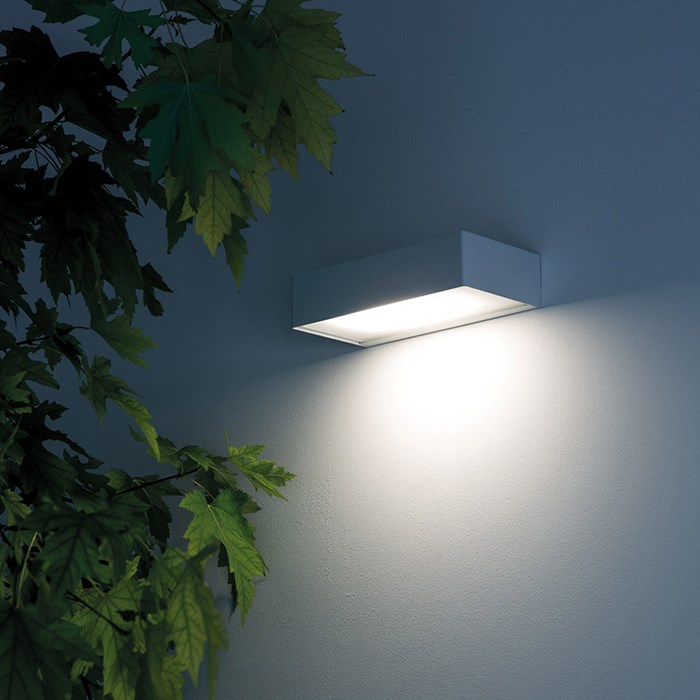 Davide Groppi Juliet Exterior Wall Light| Image : 1