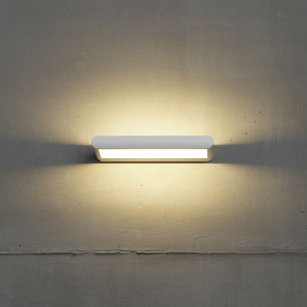 Flexalighting Hula LED IP65 Wall Light| Image : 1