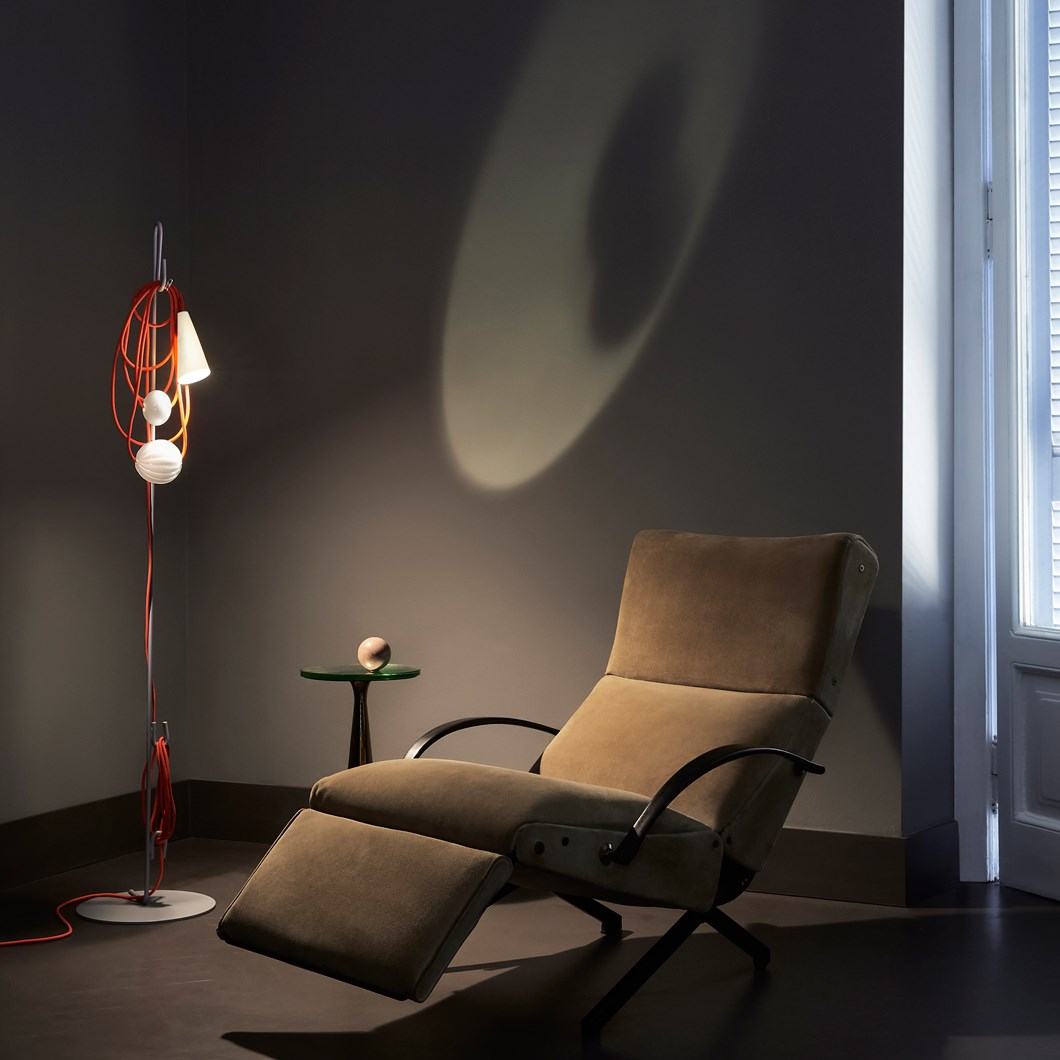 Foscarini Filo LED Floor Lamp| Image:1