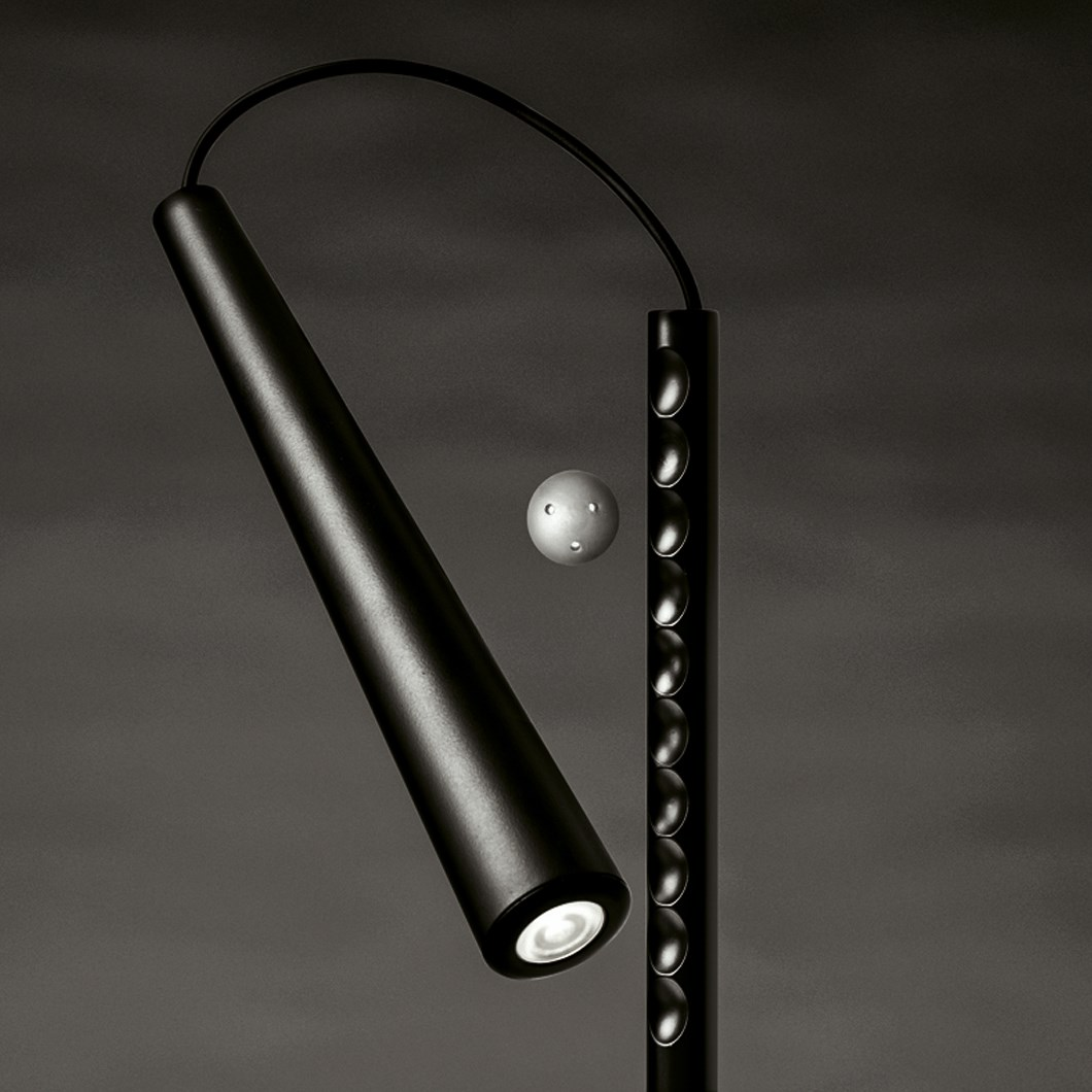Foscarini Magneto LED Floor Lamp| Image:1