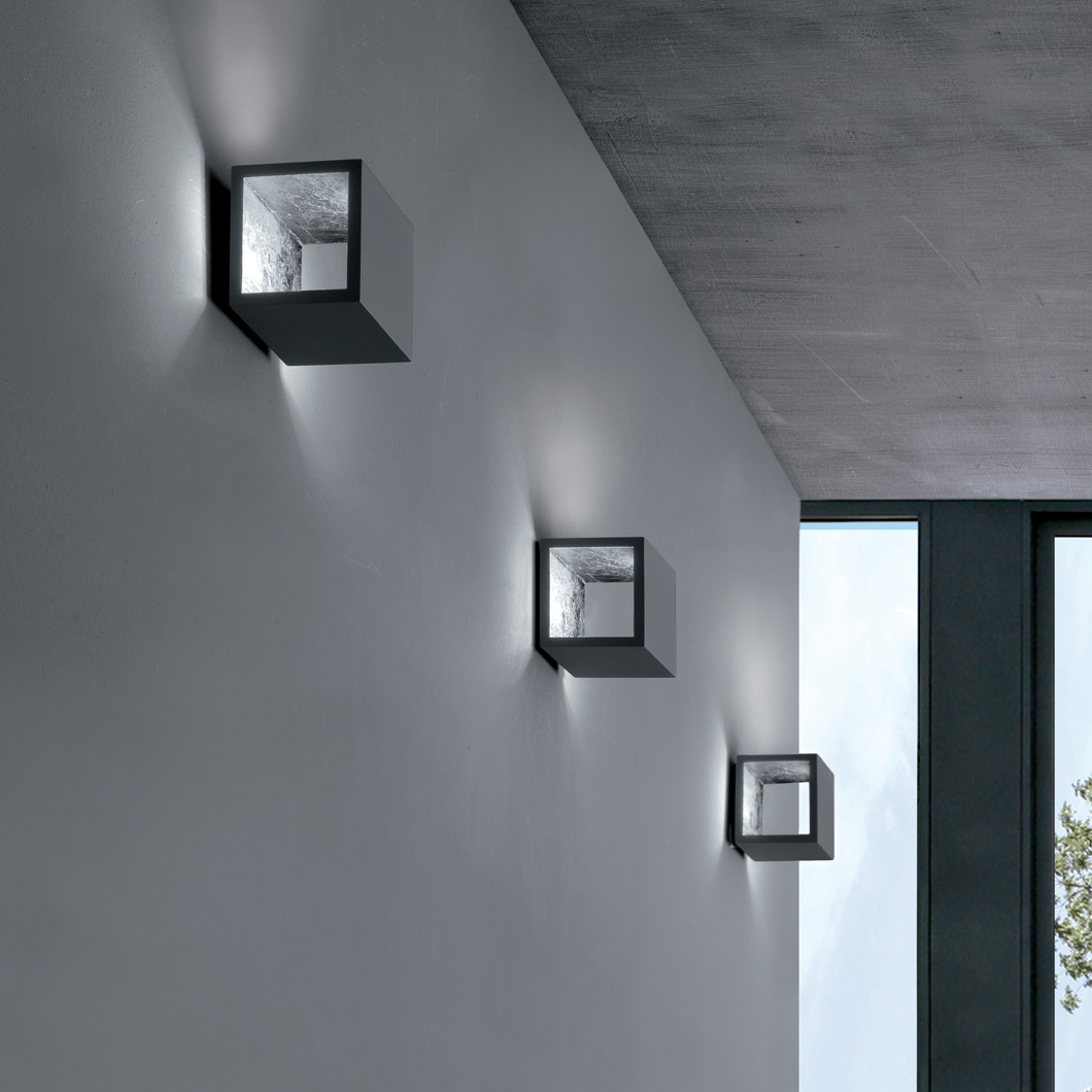 Icone Cubo Wall Light