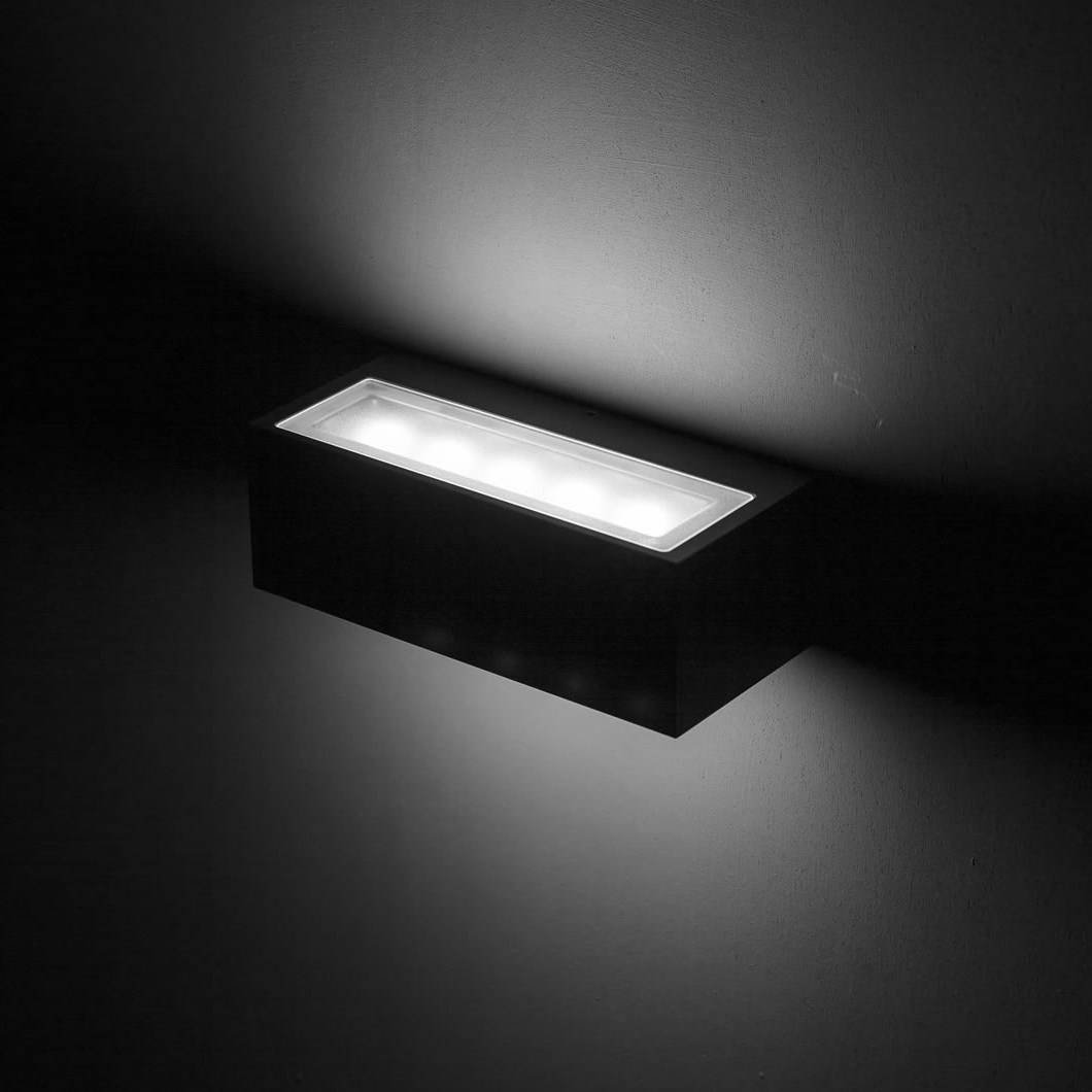 LLD Graie LED IP65 Outdoor Wall Light| Image:1