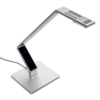 Luctra Linear Pro Human Centric LED Table Lamp