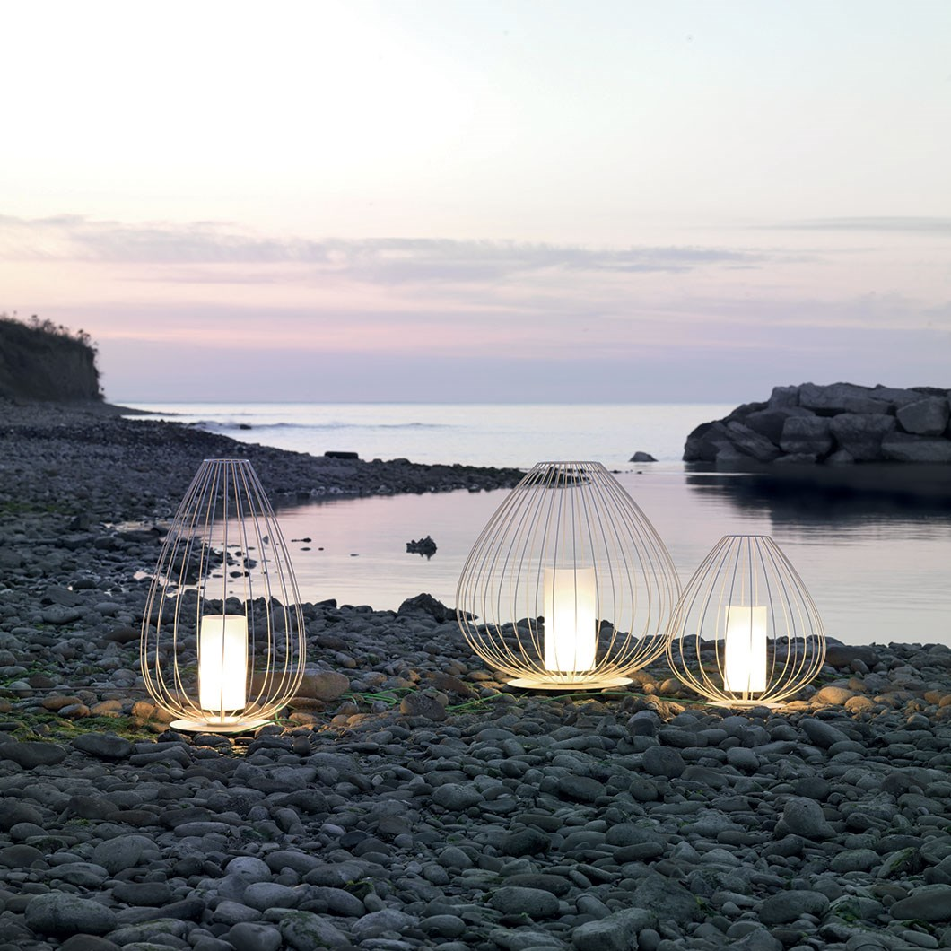 Karman Cell Outdoor Table Lamp| Image:1