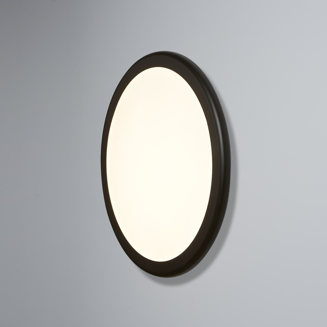 Tooy Bilancella LED Wall / Ceiling Light| Image : 1