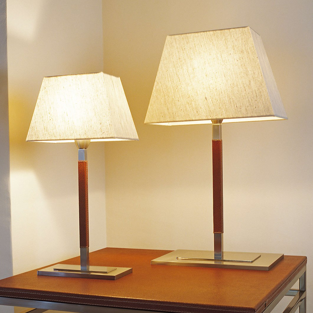 Bover Tau Table Lamp| Image : 1