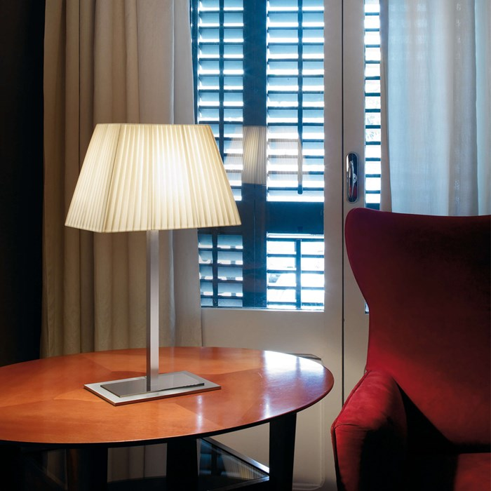 Bover Tau Table Lamp| Image:1