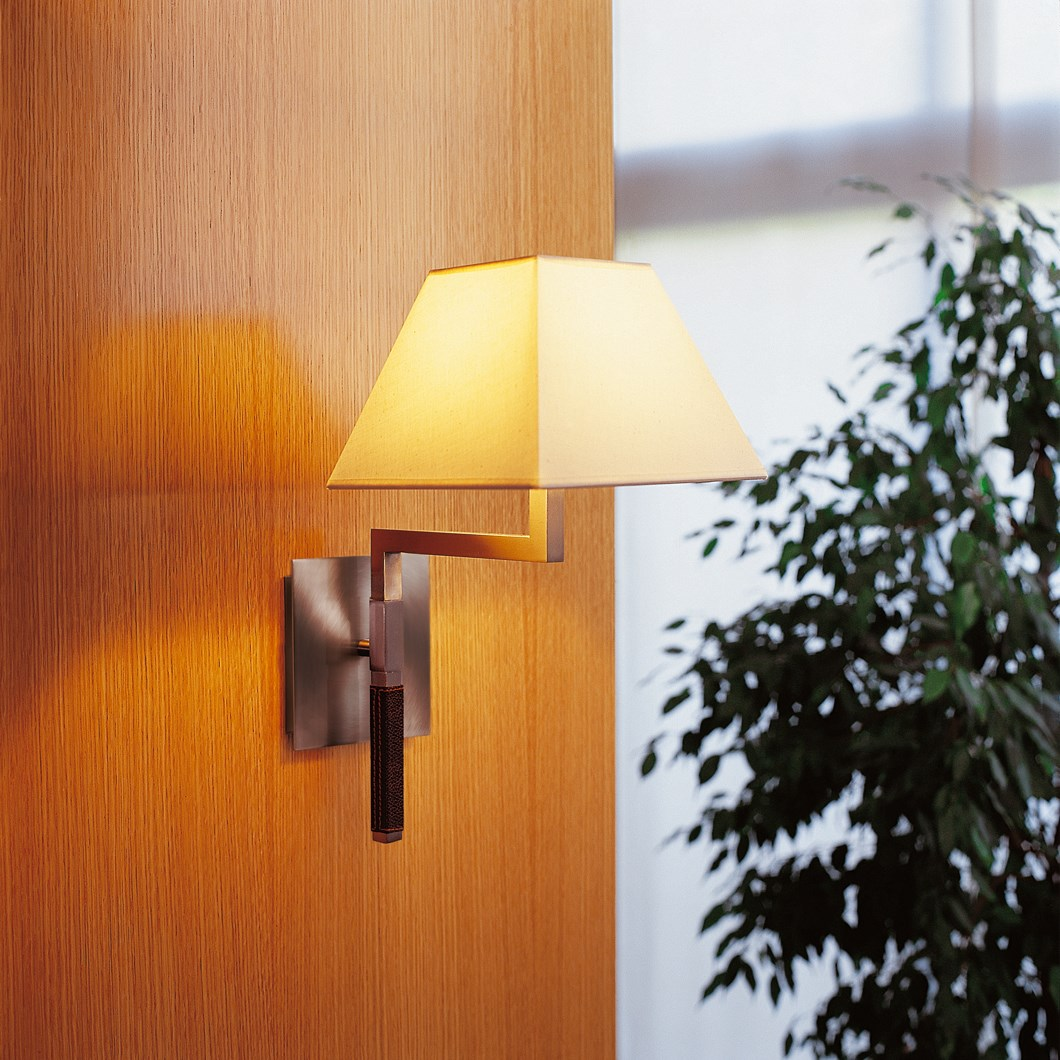 CLEARANCE Bover Carlota A Wall Light| Image : 1