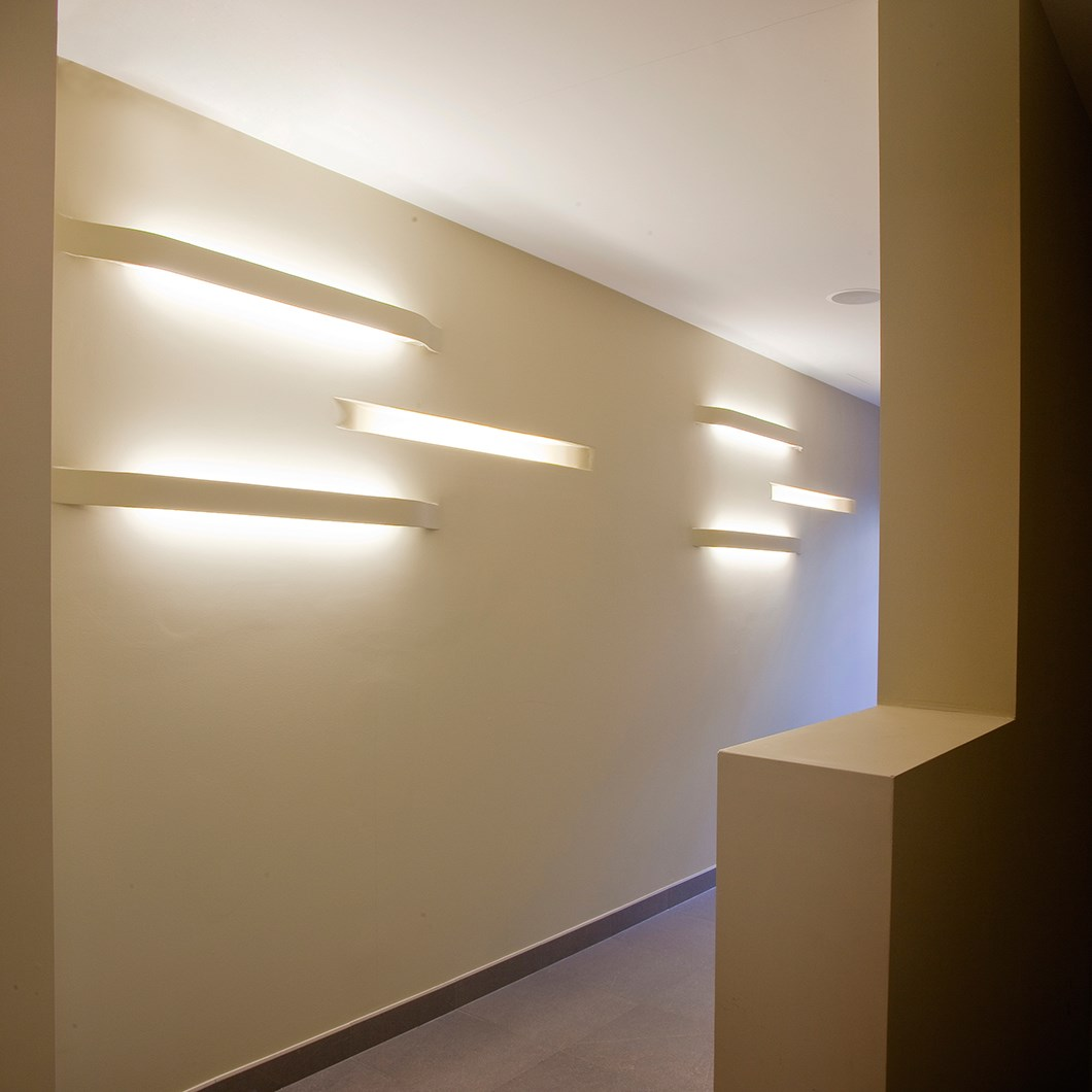 Brick In The Wall Expression Fluo Plaster In Wall Light| Image:1