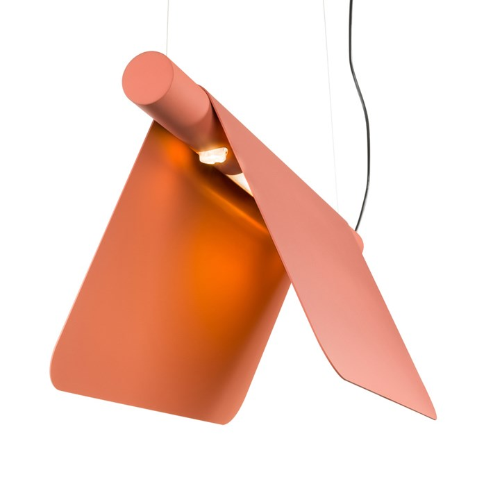 Blond Belysning Bend Pendant in marsala rubber paint showing LED light source