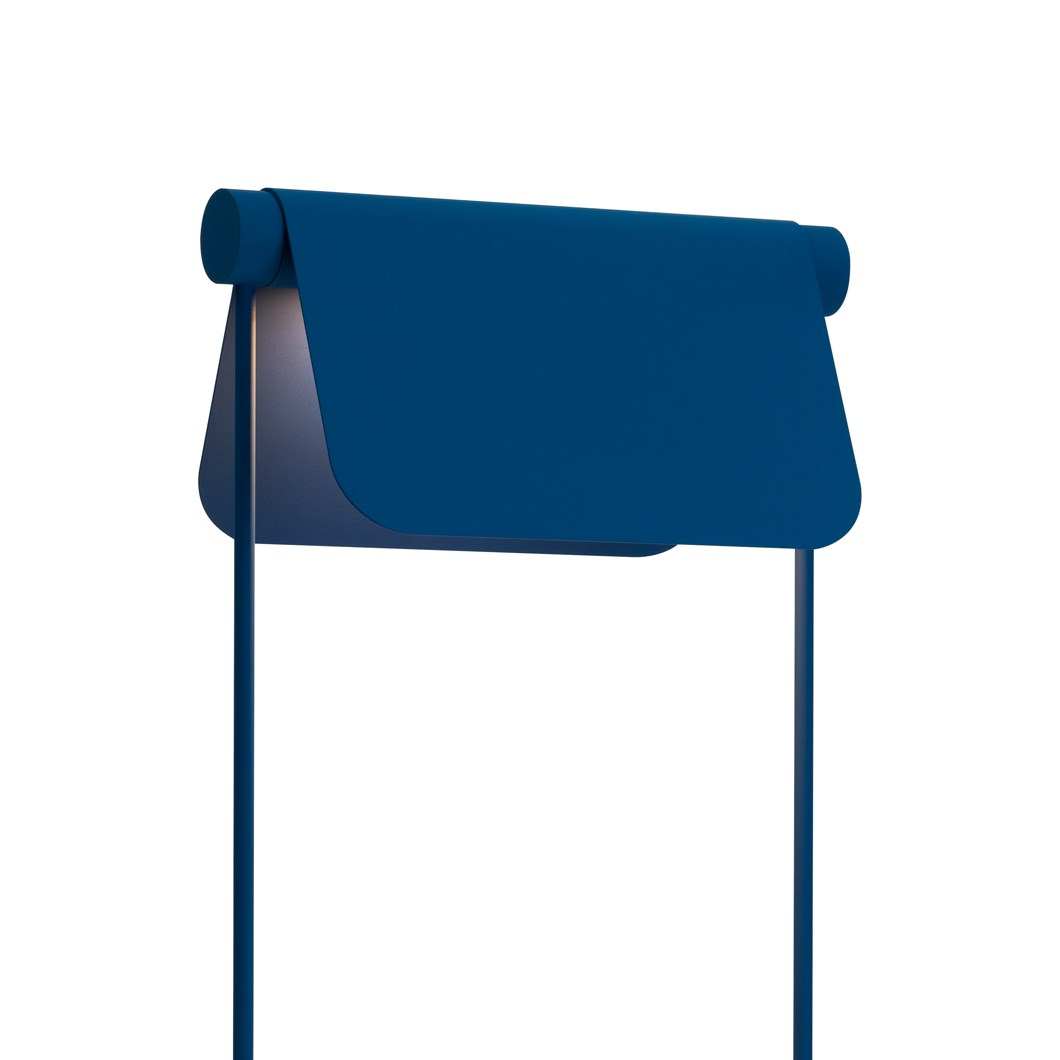 Blond Belysning Bend Floor Lamp in blue, close up of the adjustable shade angled downwards