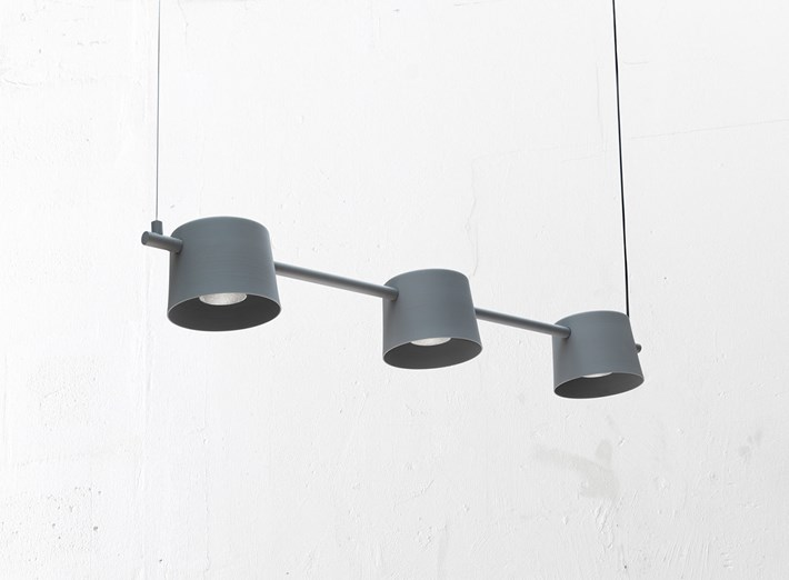 Blond Belysning Chorus 3 Pendant with three lamp shades in grey from an angle