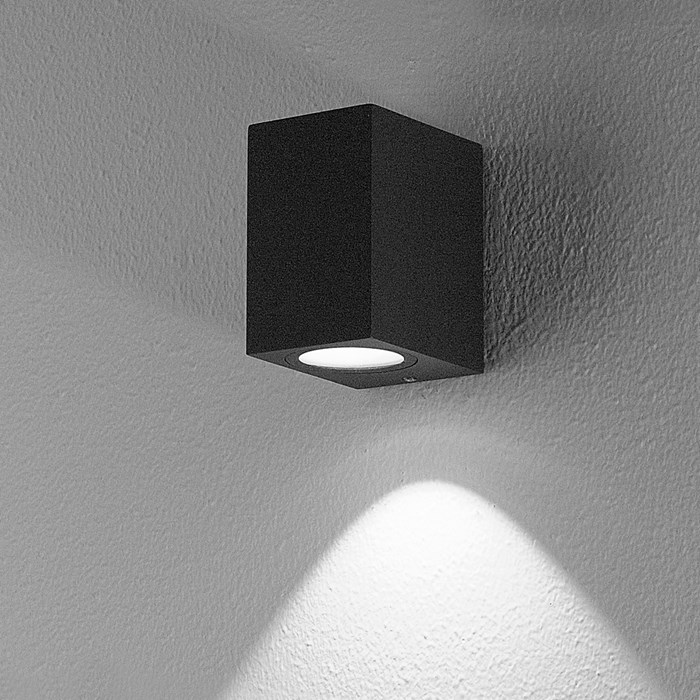 DLD Boxi Single Emission LED Outdoor IP54 Wall Light effect shot in anthracite