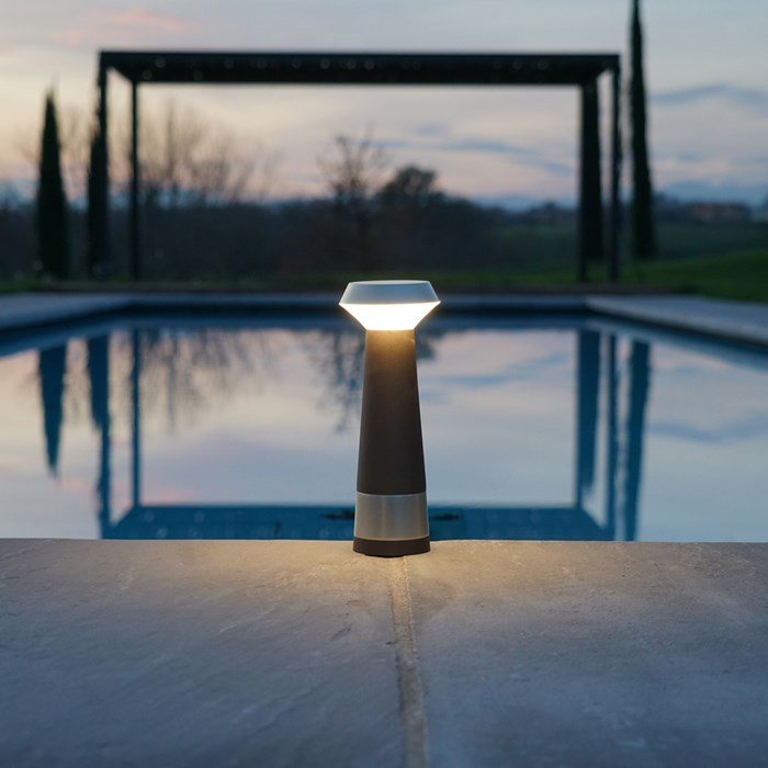 Puraluce Pharo Portable Cordless LED Outdoor Table Lamp| Image:1