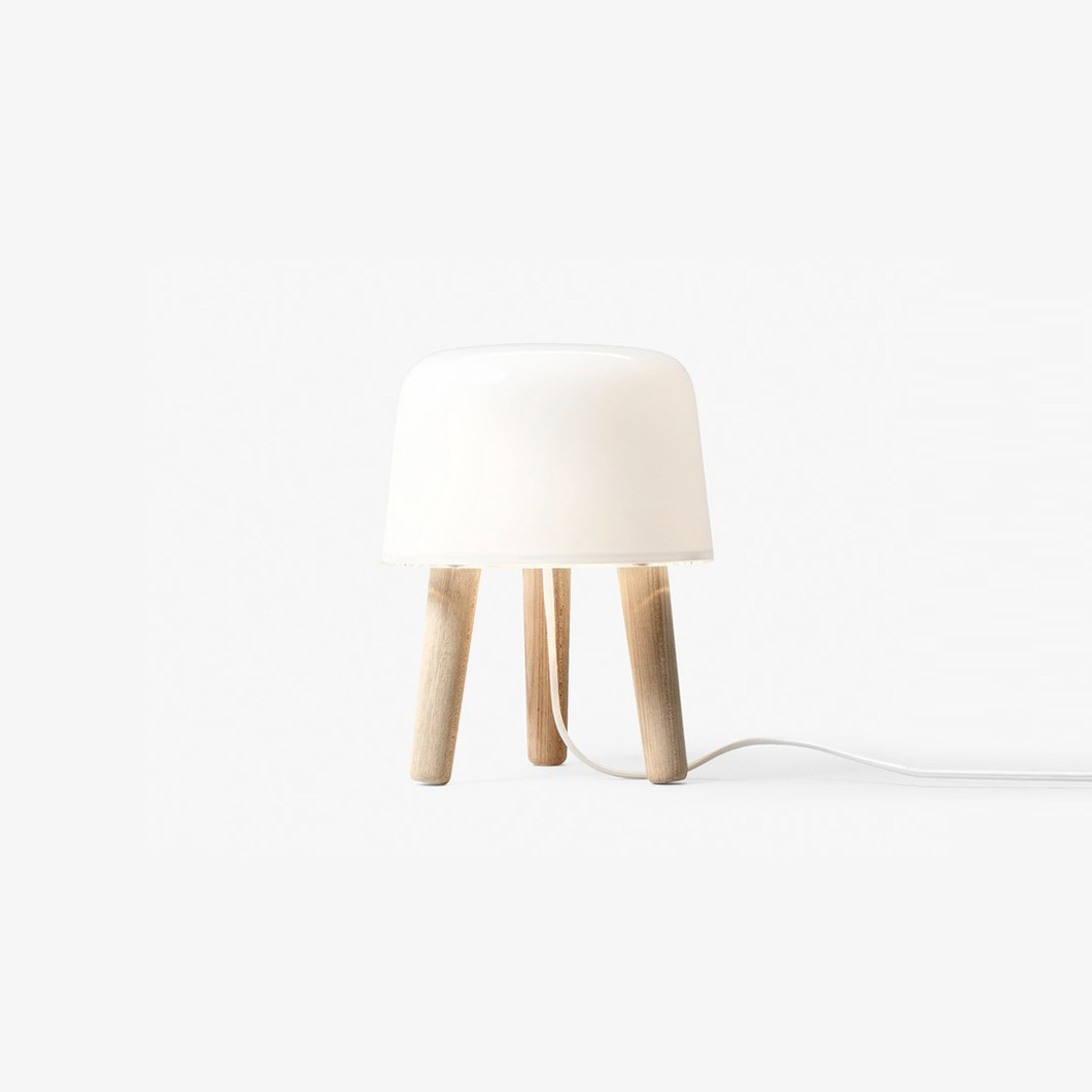 &Tradition Milk NA1 Table Lamp| Image : 1